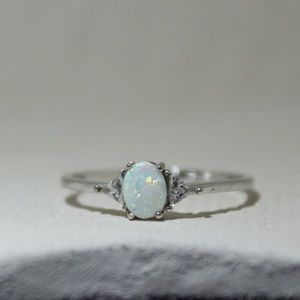 Sterling silver opal ring (Size 10)